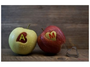 Name on red and green apples